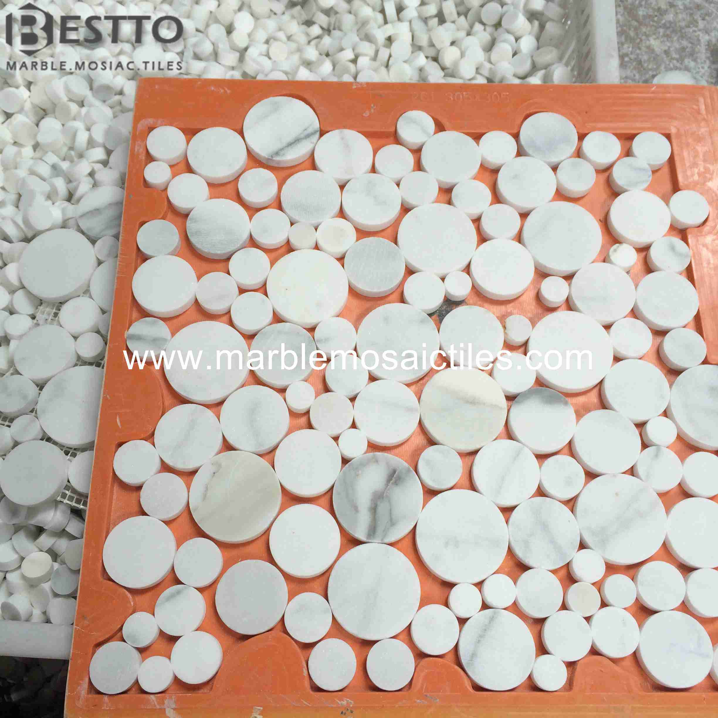 Calacatta Penny Round Mosaic Tile